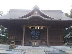 興雲閣の隣にある松江神社にも参拝します。松平長政を祀っており、葵の御紋が使われています。