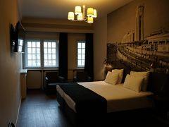 10時を過ぎたばかりでしたが、部屋に入れました。 2階の11号室、広い! なかなかモダンです。