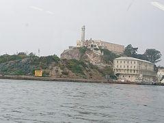 アルカトラズ島が近づいてきました。 The Rockの場面を思い起こしつつ、テンション上がります。