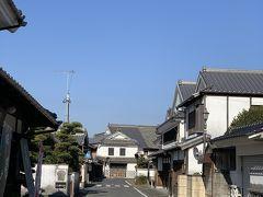 せっかく浮羽まで来たので、行き当たりばったりのドライブしましょ。  吉井町。 なんだか良い雰囲気の町並み! 白壁通りと言うのね。 どうやら、宿場町として栄えた場所らしいです。 無知ですみません。