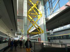35分ほどで、ゲント・サン・ピータース(Gent-Sint-Pieters)駅に到着。 オランダ語では、ヘント=シント=ピーテルスらしい。