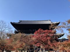永観堂のあとは南禅寺へ♪ ここも紅葉の名所ですね。
