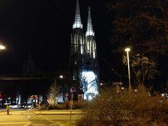 ↑の大学のヒントとして。。。 この教会を通り過ぎますw  長年修復してたのが数年前終わったフォーティフ教会