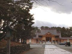 ルート上にあった「新潟護国神社」。参道も社殿も新しくて立派。神殿から先は撮影禁止でした。