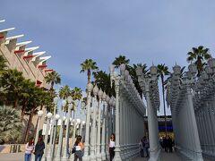 「Los Angeles County Museum of Art」 通称LACMAです。