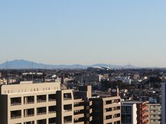 埼玉スタジアム2002と筑波山。
