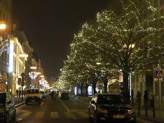 共和国広場 Republic Square (Namesti Republiky)付近の道路も      ライトアップ♪
