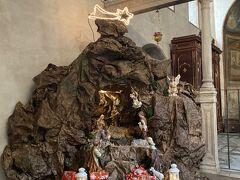 サンタマリアインコスメディン教会のプレゼーペ 24日なのでキリストはまだ生まれていません   真実の口はこの教会にあります