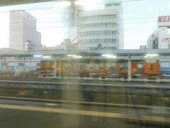2019.12.31 浜松ゆき普通列車車内 なぜか湘南色になっていた天浜線。  第79走者:クモハ211-5614 金谷→浜松