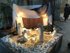 教会内にはキリストの誕生のオブジェがありました。