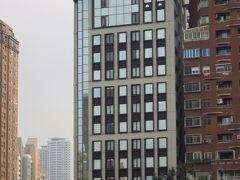 宿泊ホテル Harbour 10 Hotel(鈞怡大飯店) 家族6人で2部屋 朝食付き 大晦日から2泊で23000元 コスパの良いホテルだと思います