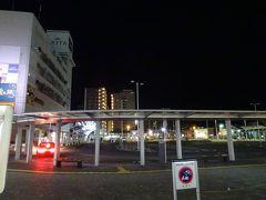 今回の旅の始まりは、早朝の前橋駅から。 時間は午前5時。…とはいえ、ご覧の通りほとんど夜中も同然だヨ。  さむい…、さむい…ヨォ(>_<;)。