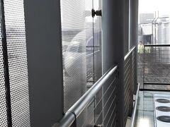 バンコク・スワンナプーム空港にとうちゃこ。  現地時間AM10時10分。