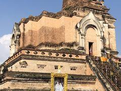 歴史的な旧市街の中心部にある仏教寺院
