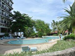 ホテル併設のプール。