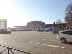 そこからバスに乗ってアトーチャ駅まで行きました。