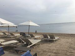 ホテルの庭を散策し、ビーチまで来ました(^^)