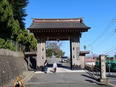 お昼も伊東で予約していたので初詣もかねて市役所隣の佛現寺さんへ