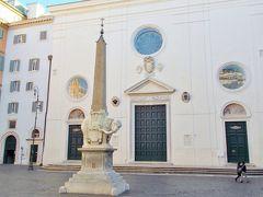 ミネルヴァ広場。 教会を見たかったのですが、なぜか閉まっていました。