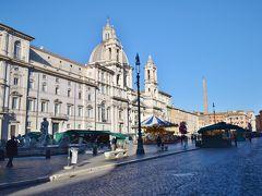 ナヴォーナ広場に到着です。 噴水が有名なローマを代表する広場です。