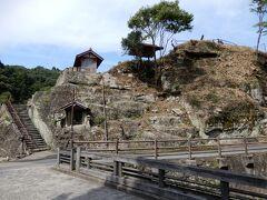 観世音寺。登ってみます