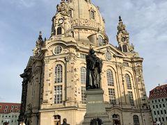 フラウエン教会とルター像。 世界各国から大勢の観光客が訪れます。 復興のシンボルだと思います。
