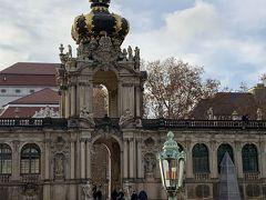 ツヴィンガー宮殿 バロック様式の宮殿建築、ペッペルマンの設計によって1728年に完成しました。