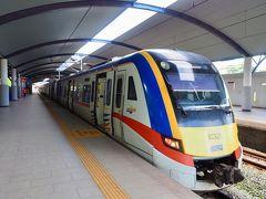 駅のホームに入り、再びKTMでKLセントラル駅に戻ります!