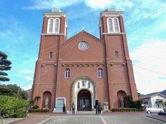 原爆資料館の後は、浦上天主堂へ行きました。 中はとても厳かでした。
