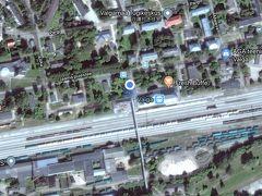 エストニアとラトビアの国境の街ヴァルガの駅で休憩。 サンクト・ペテルブルグ行きの方々は喫煙者の方が多く、寒いのにわざわざ外に出てここでニコチンを補給されていました。 だいたい20分ぐらいの休憩の後出発~。