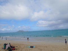 お天気が悪かったので カイルアでお買い物をのんびりして  カイルアビーチへ(車内で1時間爆睡)