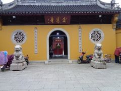 4日目は一日、周荘で過ごしてきたので、5日目です。 この日は、2日目に時間切れで入場できなかった定慧寺からにしました。