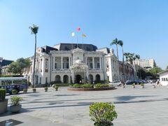 お次は『台中州廰』です。 日本統治時代に建てられた建物で、今でも現役として一部の行政機関がここに残っているそうです。