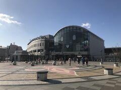 高松駅に到着 顔のような…