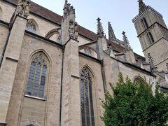 ブルク公園から聖ヤコブ教会に向かいます。 ツアーの散策はここでおしまいですが、コンダクターさんの提案で希望者は教会に入ることにしました。