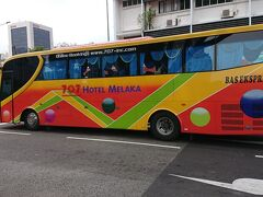 クイーンストリートに到着しました。 マラッカ行きのバスが通過しました。 次回はマラッカまで行って見ようと計画中です。