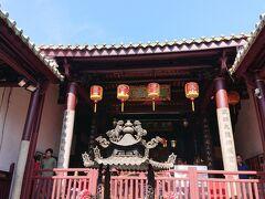 祀典武廟です。赤嵌楼の反対側にありました。 台南で最も古い廟だそうです。 「商業の神様」だそうで、仕事が順調に進む事をお祈りしました。