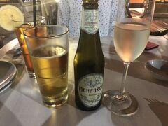 ハワイ最後の夕食は、マリオットホテルの中に入っているアランチーノディマーレに。 職場のハワイ通の方や、知り合いからもおすすめがあったので。  まずはイタリアのビールで乾杯。