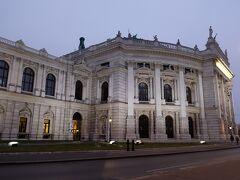 ブルグ劇場 ドイツ語圏の劇場の最高峰
