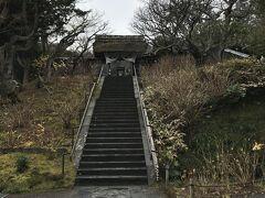 ♪源氏山から~ 北鎌倉へ~ ・・・ たどり着いたのは~縁切寺♪  さだまさしのいた「グレープ」のヒット曲でこのように唄われている「縁切寺」とは、この江戸幕府公認だった『東慶寺』のこと。