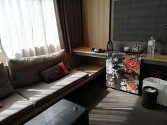 ☆ドゥア<611号室>  花布を上手に使っていて、センスのよさがうかがえる。