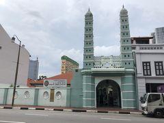 ジャマエモスクに着きました。 エメラルドグリーンが涼しげです。