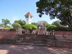 安平古堡へ(11:20位)。博物館で台湾の歴史を勉強だ。オランダ人が建てた安平古堡であるが、建物は違えど、その後も鄭成功や日本統治時代も使わていた場所だ。