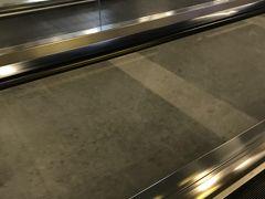 MRTで台北駅に着いたら 動く歩道が 一部出来ていました