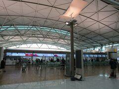 ★★ 8/8(GMT+9) ★★ 韓国>仁川国際空港>ターミナル1 ホテルの無料送迎バスで約10分でした。近くて便利なホテルです。 チェックインで、搭乗する便の前方窓側に空席があるらしく、座席変更していただきました。エコノミー内の前から2番目です。日韓関係が最悪の状態でしたが、空港では「問題なし」でした。