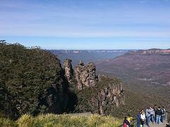 エコーポイントに到着。 写真に見える3つの岩は、スリーシスターズと呼ばれています。