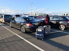 なかなかギリギリになりましたが、なんとか空港にたどり着きサクッとレンタカーを返却…と思ったらここで長蛇の列。 マジか( ゚Д゚)