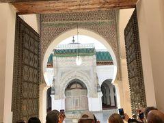 非ムスリムは中に入れない「カラウィン・モスク」。