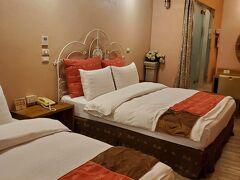 高雄の宿泊ホテルはサンドゥオローズホテル。 設備は古いけど、コスパはいいホテルでした。 バスタブ、コインランドリーありのホテルです。