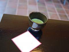 久しぶりに飲んだ抹茶はほど良い苦味で美味しかったです。 結構なお手前で。 百舌鳥の駅に戻ります。